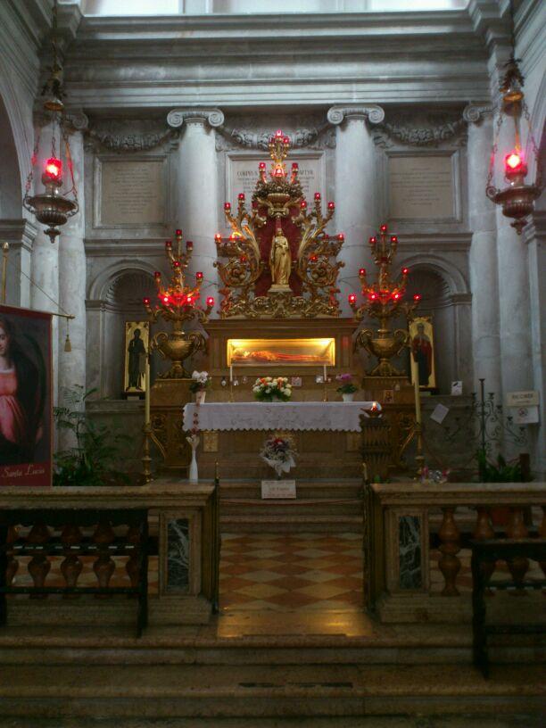 Culto a Santa Lucía en el Mundo (2/6)