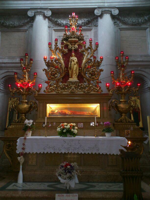 Culto a Santa Lucía en el Mundo (4/6)